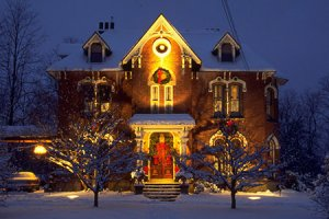 Новогоднее украшение зданий